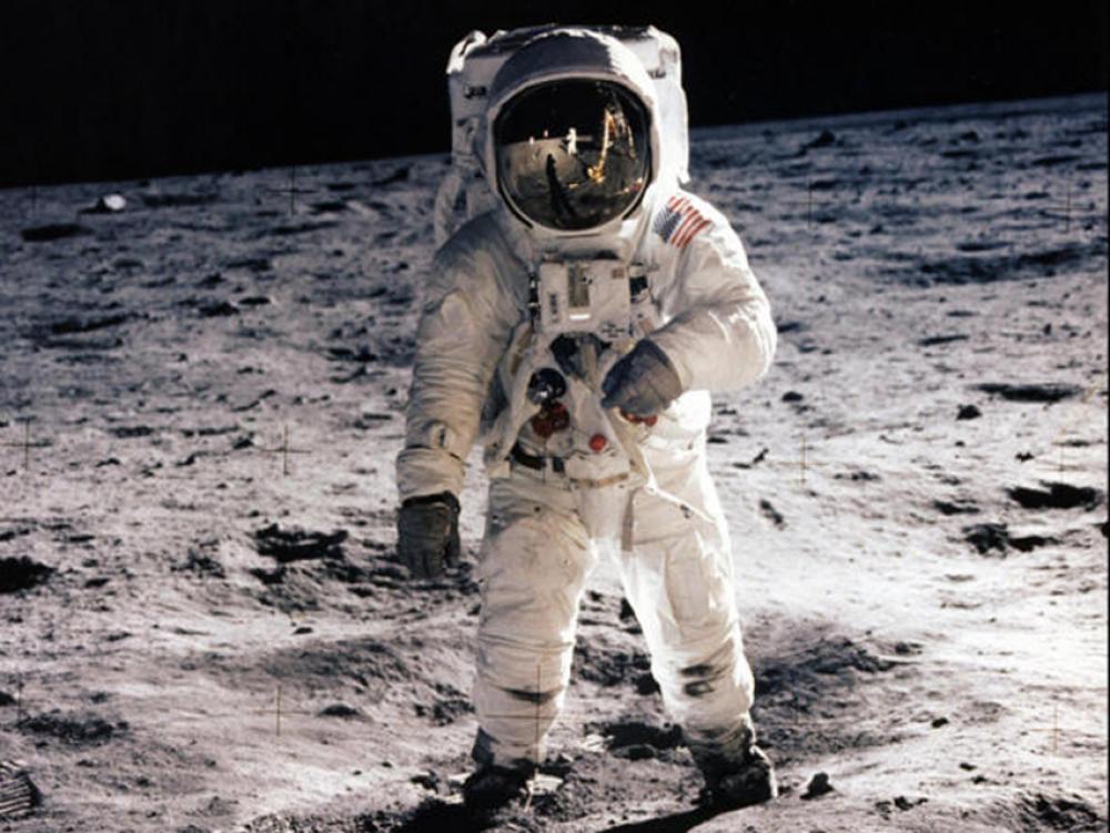 चन्द्रमामा पाइला टेक्ने पहिलो मानवबारे अझै आशंका ! रुसले छानविन गर्दै