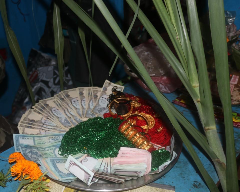 लक्ष्मीपूजा घर–घरमा दिपावली गरेर मनाईयो (फोटो फिचर)