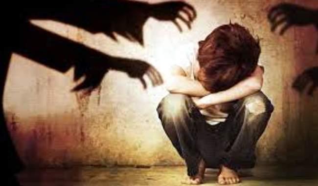 बाल यौन र्दुव्यवहारको आरोपमा महिला पक्राउ